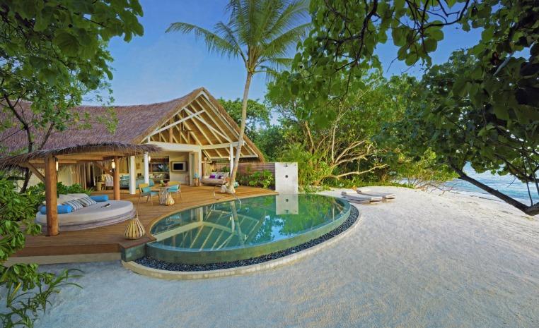 Trauminseln der Malediven: Universal Resorts strand sonne malediven indischer ozean orient honeymoon 2 expertentipps  tui berlin milaidhoo villa außenansicht