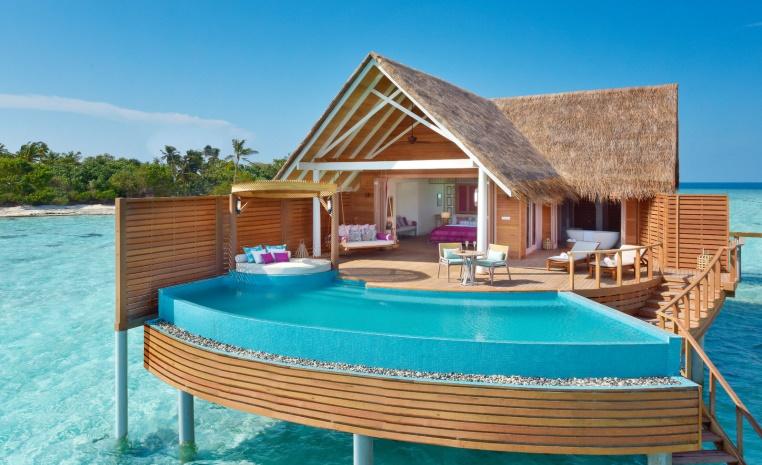 Trauminseln der Malediven: Universal Resorts strand sonne malediven indischer ozean orient honeymoon 2 expertentipps  tui berlin milaidhoo water pool villa außen