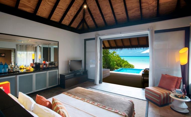 Trauminseln der Malediven: Universal Resorts strand sonne malediven indischer ozean orient honeymoon 2 expertentipps  tui berlin velarassu villa with pool