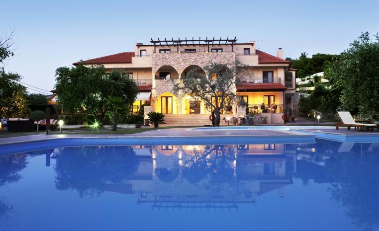Blau Weiße Geheimtipps in Griechenland tui hotels strand sonne griechenland angebote und specials angebot  tui berlin atrium außenansicht