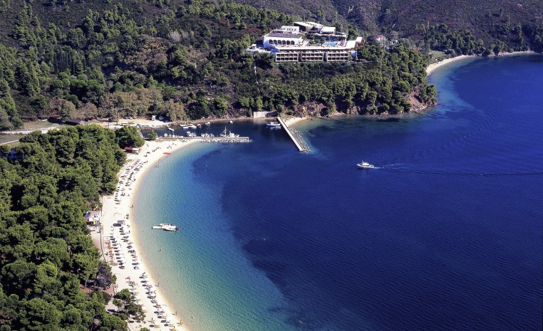 Blau Weiße Geheimtipps in Griechenland tui hotels strand sonne griechenland angebote und specials angebot  tui berlin skiathos palace außenansicht