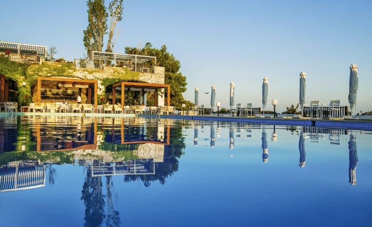 Blau Weiße Geheimtipps in Griechenland tui hotels strand sonne griechenland angebote und specials angebot  tui berlin skiathos palace pool