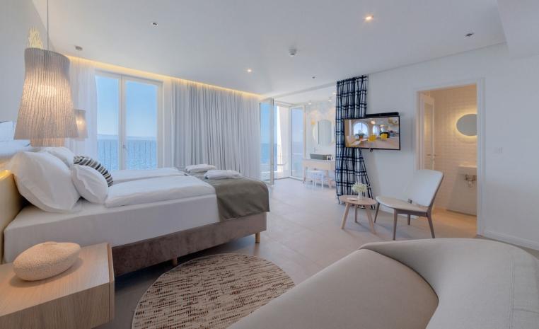Schöne blaue Welt: Das TUI Blue Jadran tui hotels strand sonne italien angebote und specials angebot  tui berlin tui blue jadran junior suite meerblick