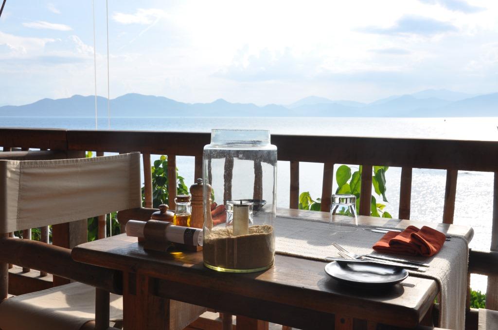 Vietnams schönste Strandresorts:  Six Senses Ninh Van Bay und Six Senses Con Dao vietnam strand sonne land und leute reisebericht new honeymoon 2  tui berlin six senses ninh van bay restaurant
