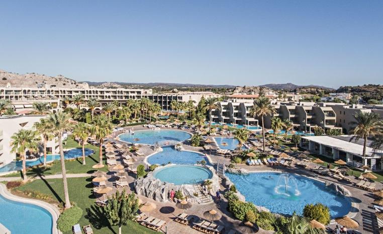 TUI Family  Deals +++ Bis zu 40% Rabatt auf Reisen im Herbst tui hotels strand sonne griechenland angebote und specials angebot  tui berlin tui family life aegan außenansicht