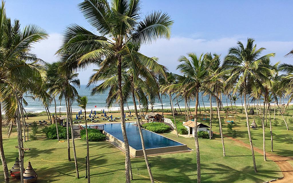 Unterwegs durch Sri Lanka   Luxuriös mit airtours strand sri lanka asien sri lanka sonne land und leute reisebericht new  TUI Reisebuero Berlin Sri Lanka Hambantota Pool