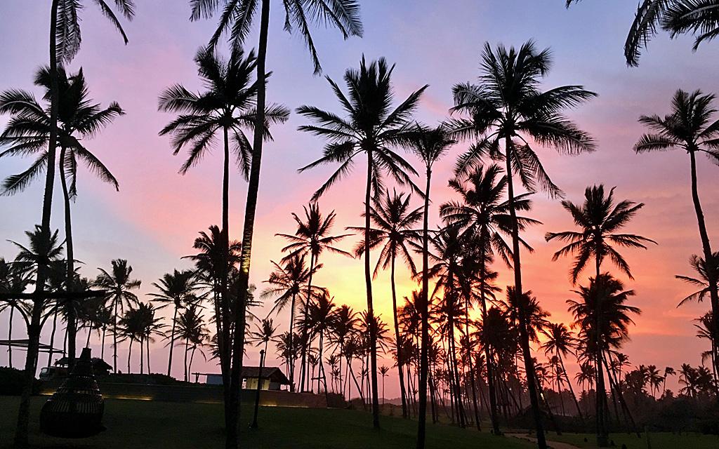 Unterwegs durch Sri Lanka   Luxuriös mit airtours strand sri lanka asien sri lanka sonne land und leute reisebericht new  TUI Reisebuero Berlin Sri Lanka Hambantota Sonnenuntergang
