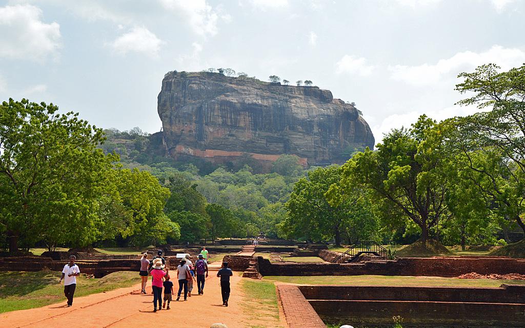 Unterwegs durch Sri Lanka   Luxuriös mit airtours strand sri lanka asien sri lanka sonne land und leute reisebericht new  TUI Reisebuero Berlin Sri Lanka Sigiriya