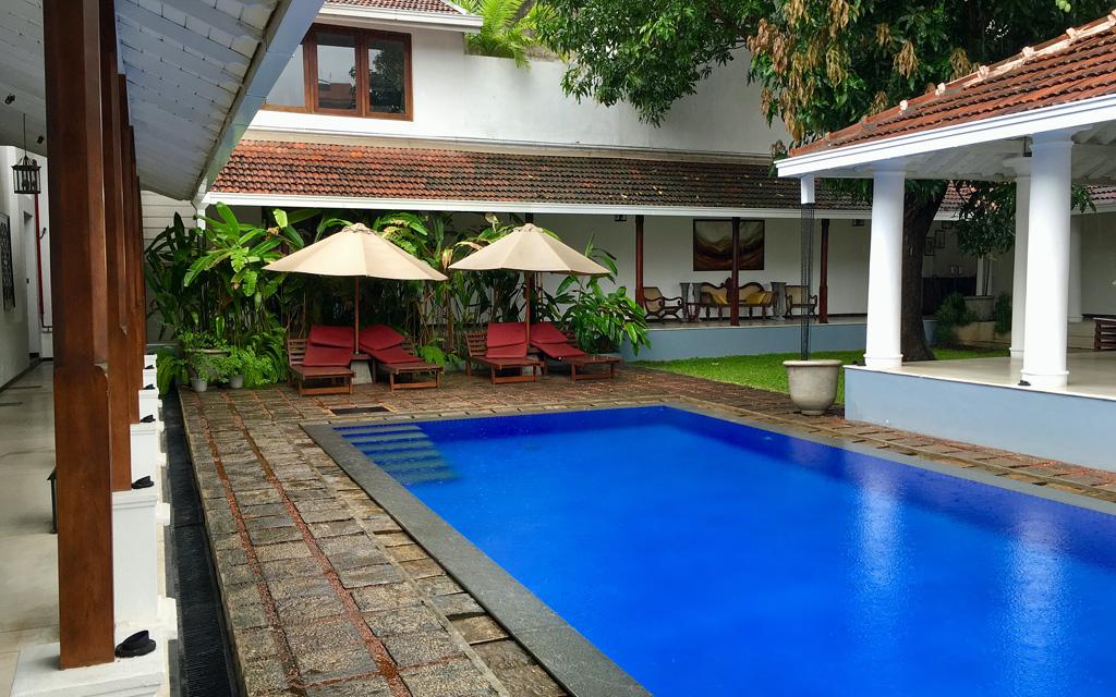 Unterwegs durch Sri Lanka   Luxuriös mit airtours strand sri lanka asien sri lanka sonne land und leute reisebericht new  TUI Reisebuero Berlin Sri Lanka Uga Residences Colombo