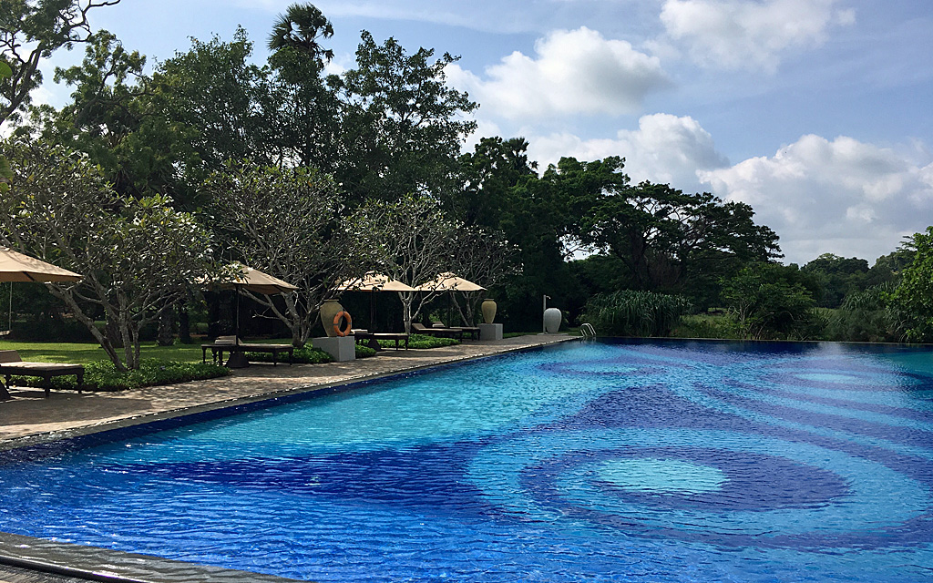 Unterwegs durch Sri Lanka   Luxuriös mit airtours strand sri lanka asien sri lanka sonne land und leute reisebericht new  TUI Reisebuero Berlin Sri Lanka Ullagalla Walauwwa