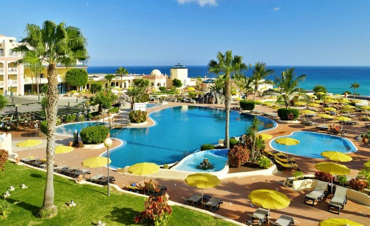 50€ Preisvorteil auf Winterreisen auf die Kanaren sonne kanaren angebote und specials angebot  tui berlin hotel h10 playa esmeralda poollandschaft