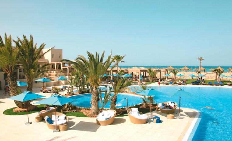 TUI BLUE feiert Zweiten Geburtstag   Explore the More tunesien tui hotels strand portugal mallorca angebote und specials angebot  tui berlin tui blue palm beach palace pool