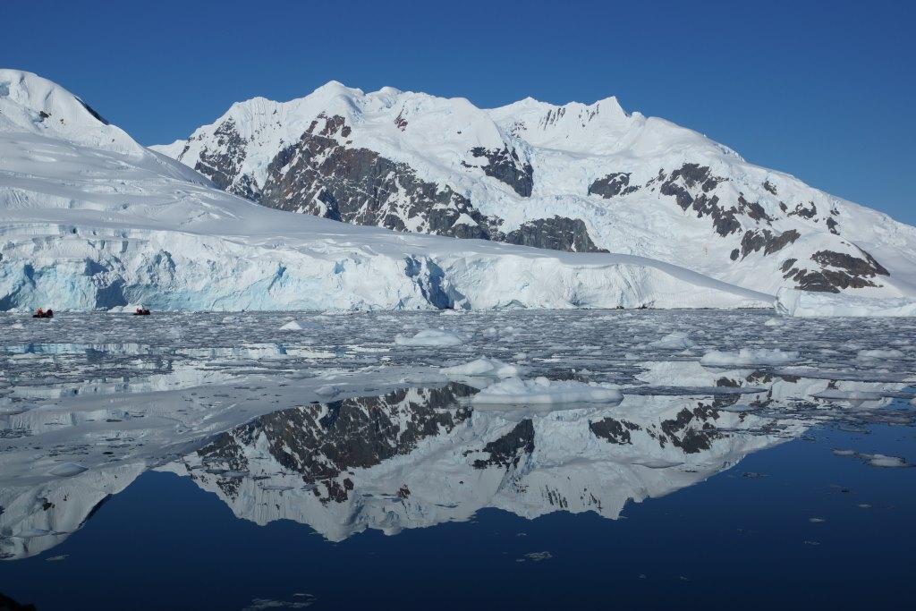 Paradise Bay am antarktischen Festland - World of TUI Berlin Reisebericht