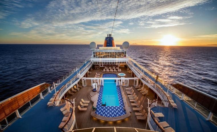 Die Hapag Lloyd Cruises Sommerangebote sonne land und leute kreuzfahrt angebote und specials angebot airtours kreuzfahrten  tui berlin ms europa kuba pooldeck