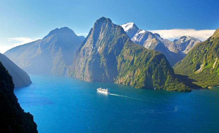 Neuseeland   Kiwis, Hobbits und vieles mehr land und leute neuseeland expertentipps angebote und specials  tui berlin neuseeland fiordland nationalpark copyright