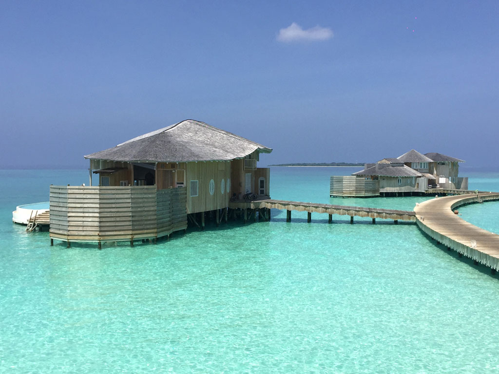Zu Gast im neuen Soneva Jani Resort auf den Malediven strand sonne reisebericht new malediven honeymoon 2  TUI Berlin Reisebüro Malediven Soneva Jani Wasservilla 001 1