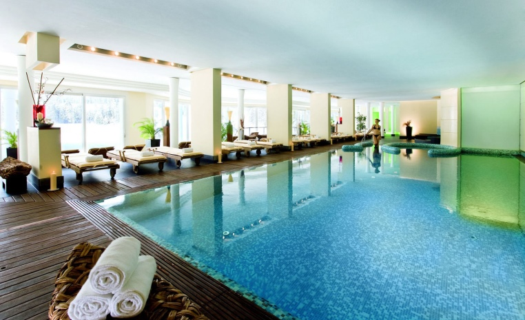 Urlaub auf vier Pfoten   hundefreundliche Hotels tui hotels strand sonne oesterreich niederlande expertentipps deutschland angebote und specials  tui berlin arabella alpenhotel pool