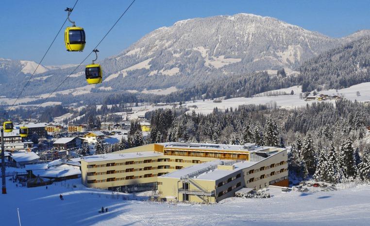 Ankommen und Aufleben   Urlaub in Österreich winterurlaub oesterreich familie angebote und specials angebot  tui berlin austria trend alpine resort außenansicht