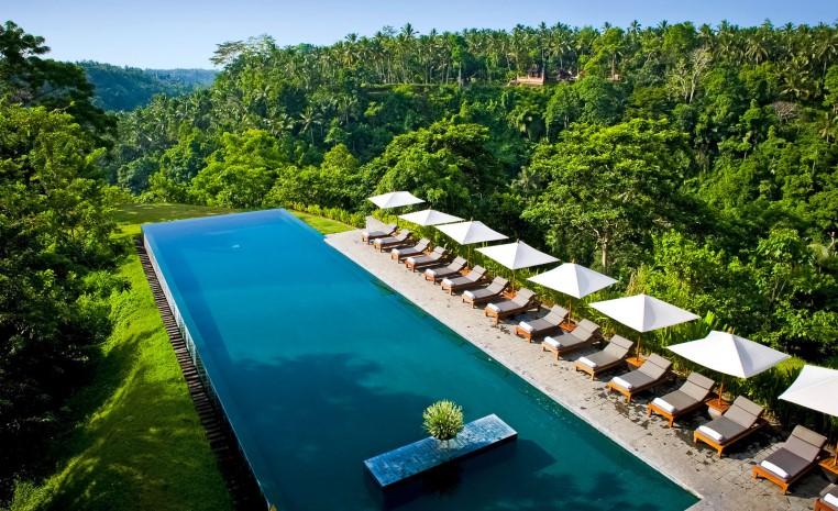 Alila Hotels & Resorts: Entdeckungstour mit dem Leisure Concierge tui hotels strand land und leute oman indonesien honeymoon 2 expertentipps angebote und specials  tui berlin alila ubud infinitypool