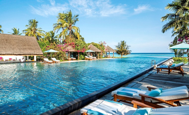 tui-berlin-four-seasons-maldives-sport-pool