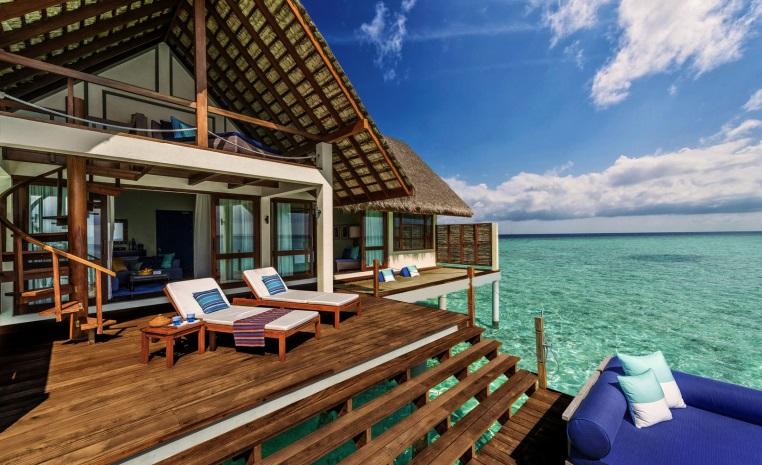 airtours DEALS DER WOCHE   Erlesene Luxushotels mit attraktiven Preisvorteilen tui airtours hoteltipps strand sonne angebote und specials angebot airtours hotels  tui berlin four seasons maldives sunrise water villa
