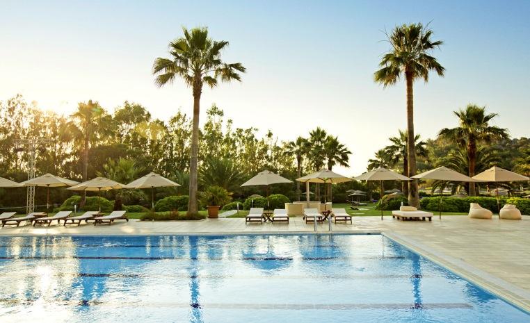 Im Urlaub die WM 2018 genießen   TUI machts möglich! tui hotels strand sonne angebote und specials angebot  tui berlin robinson sarigerme park pool 1