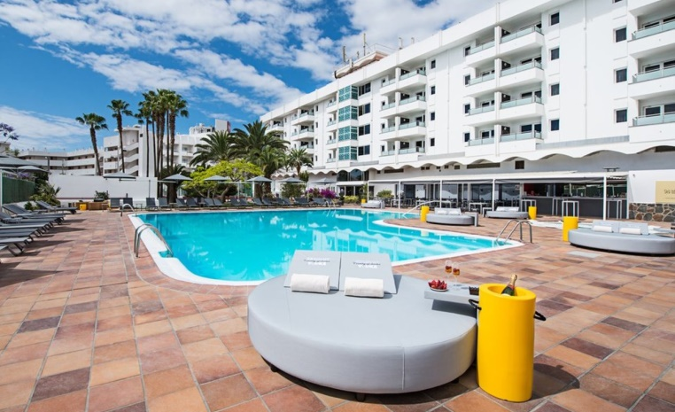 Gay Travel by TUI   Reiseideen und Inspirationen tui hotels staedtereisen sonne kanaren israel griechenland expertentipps airtours hotels  tui berlin axelbeach appartements pool
