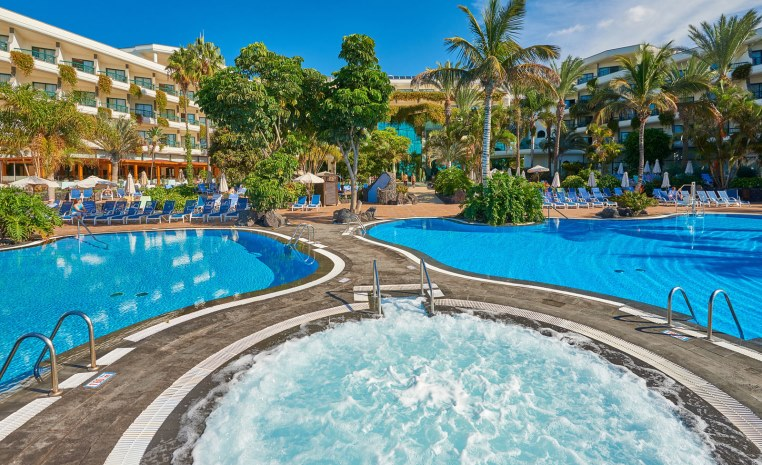 TUI Berlin, TUI PRE SUMMER SALE, exklusive Rabatte, TUI MAGIC LIFE Cala Pada, Candia Village Park, best FAMILY RIU Chiclana, Strandurlaub, Angebote