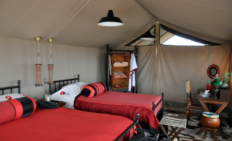 Safari am Fuße des Kilimanjaro tansania sonne safari land und leute angebot  tui berlin tansania shumata camp zelt