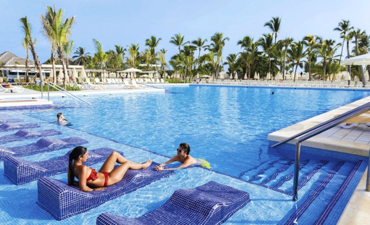 tui-berlin-riu-republica-pool