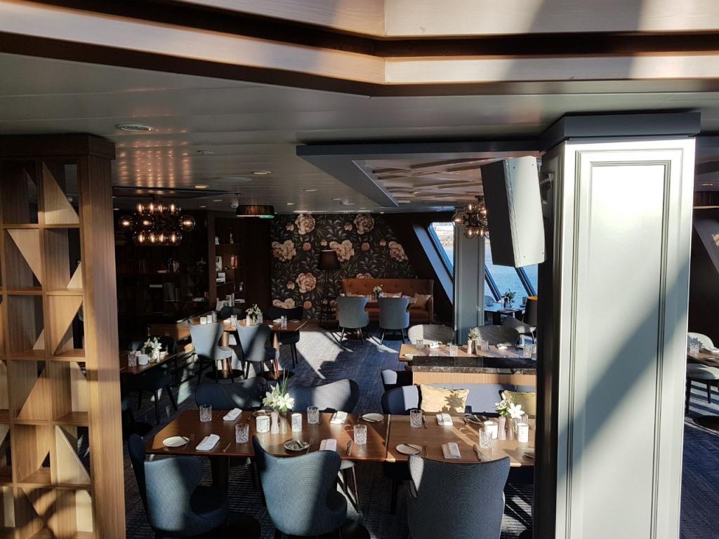 Unterwegs auf der neuen MEIN SCHIFF 1   Meine Erfahrungen... uncategorized tui cruises reisebericht kreuzfahrt  tui berlin tuicruises neue mein schiff 1 esszimmer