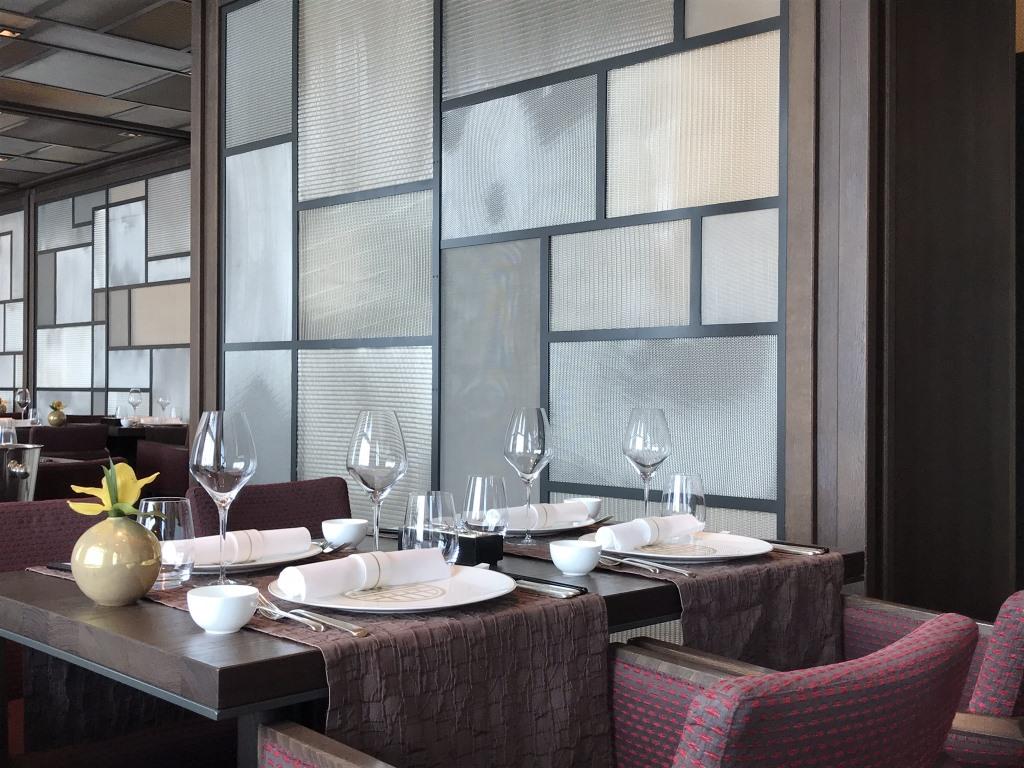 Meine Reise mit der MS Europa 2    Empfehlungen für Genießer und Familien sonne land und leute reisebericht kreuzfahrt  tui berlin europa 2 restaurant 5