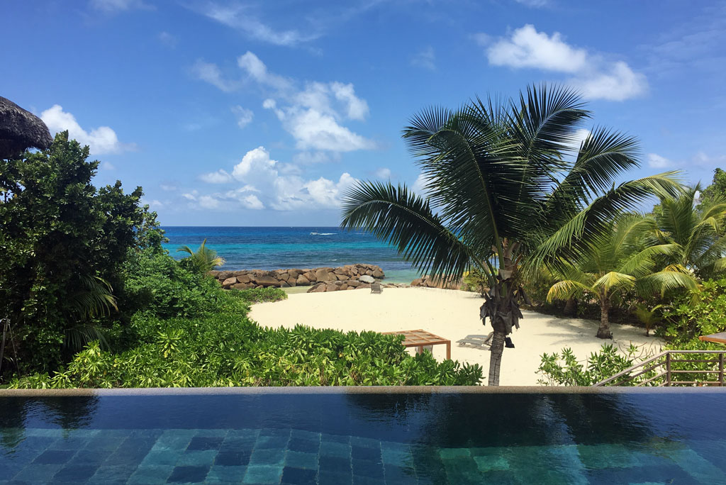 Constance Lemuria Resort Praslin Infiniy Pool, Seychellen - World of TUI Berlin Reisebericht