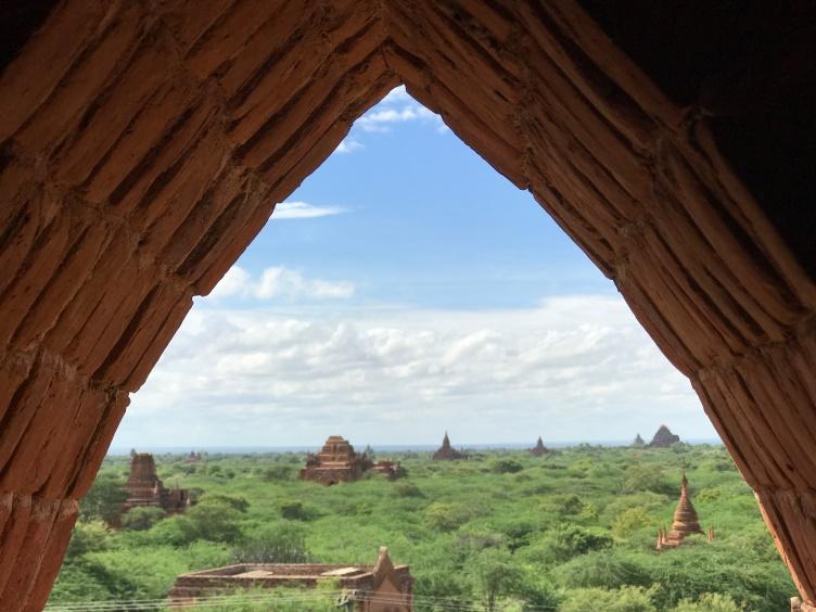 tui, berlin, reisebuero, rundreise, höhepunkte, Myanmar, Yangon, Dennis Henschel, GeBeco, Mandalay, Asien, Shwedagon, Pagan, Tempel, Inle-See