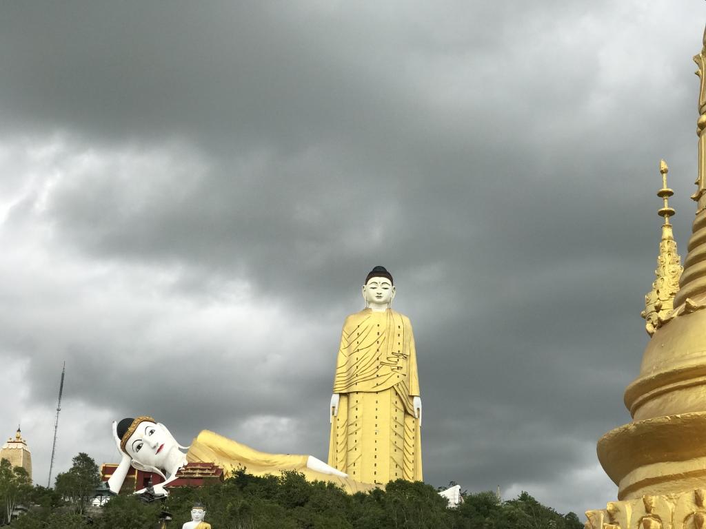 Myanmar   Meine Rundreise in sieben Tagen sonne land und leute reisebericht new myanmar  tui berlin myanmar big standing buddha