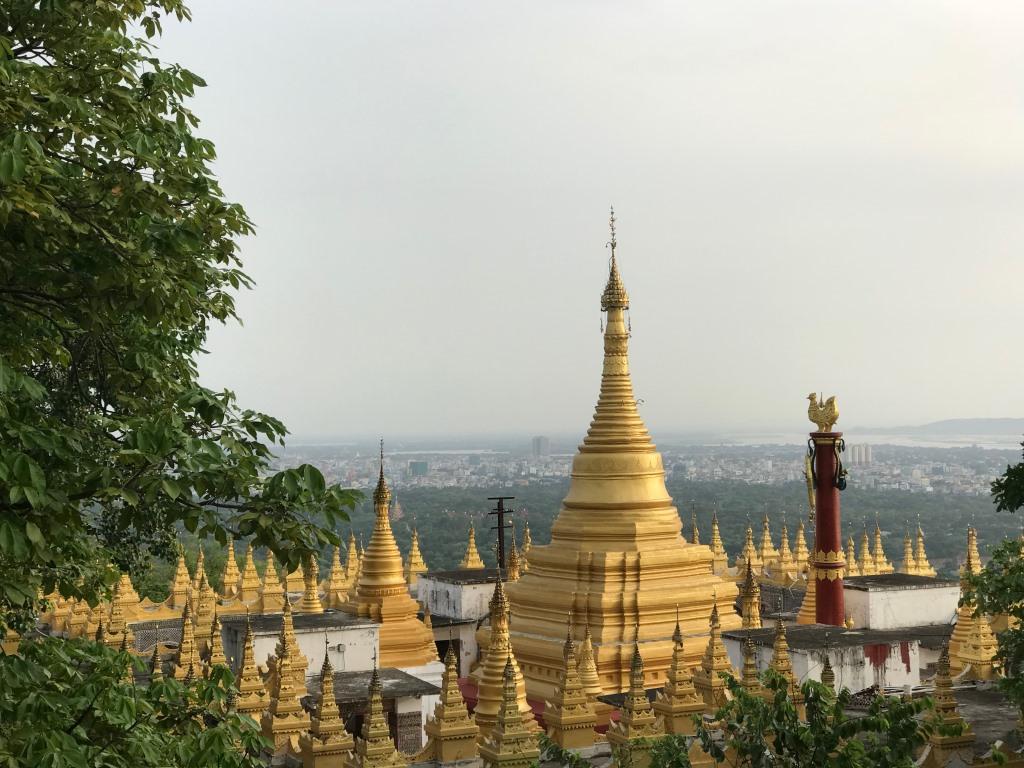 Myanmar   Meine Rundreise in sieben Tagen sonne land und leute reisebericht new myanmar  tui berlin myanmar shwedagon pagode mit ausblick