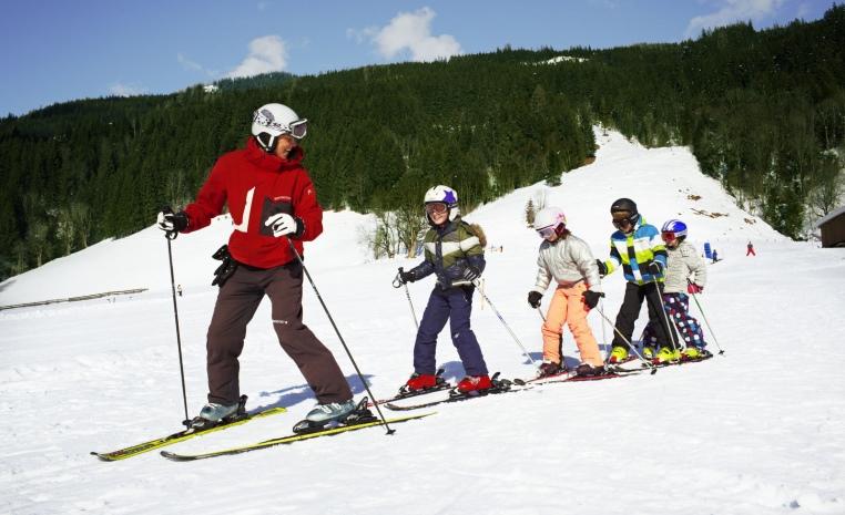 Mit TUI in den Skiurlaub   Jetzt 50€ sparen winterurlaub tui hotels angebote und specials angebot  tui berlin robinson landskron skischule