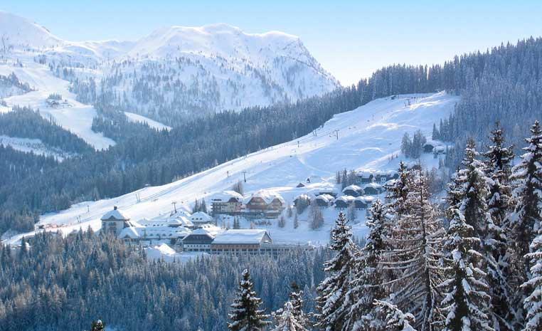 Mit TUI in den Skiurlaub   Jetzt 50€ sparen winterurlaub tui hotels angebote und specials angebot  tui berlin robinson schlanitzen alm luftansicht