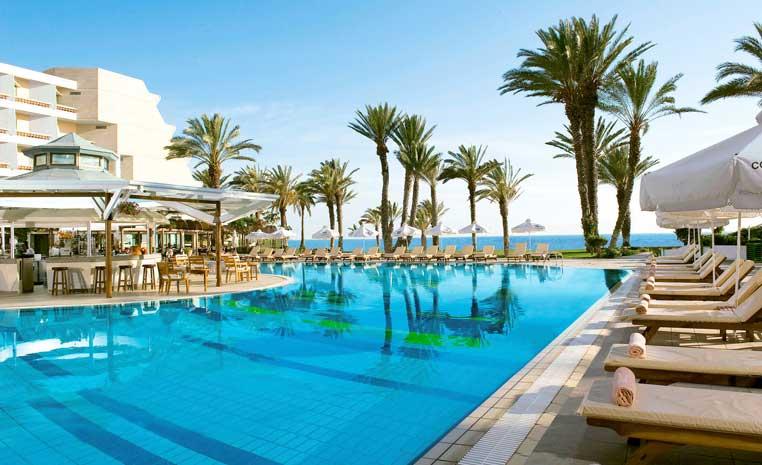 Insel der Götter: Zypern entdecken mit TUI zypern tui hotels strand sonne angesagte reiseziele angebote und specials angebot airtours hotels  tui berlin sensimar pioneer beach außenansicht