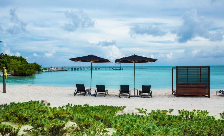 TUI Berlin, Deals der Woche, airtours, Luxushotel, Anantara Kihavah Maldives Villas, Nizuc Resort & Spa, Eden Roc at Cap Cana, Angebote, Karibik, Malediven,