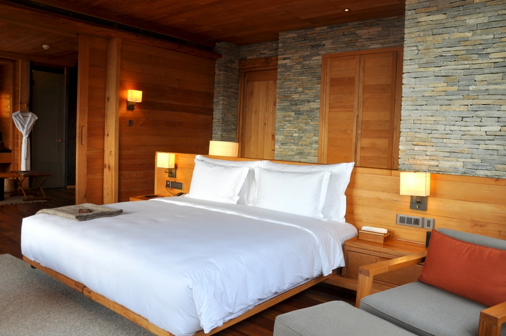 Suite in der Six Senses Paro Lodge, Bhutan - World of TUI Berlin Reisebericht
