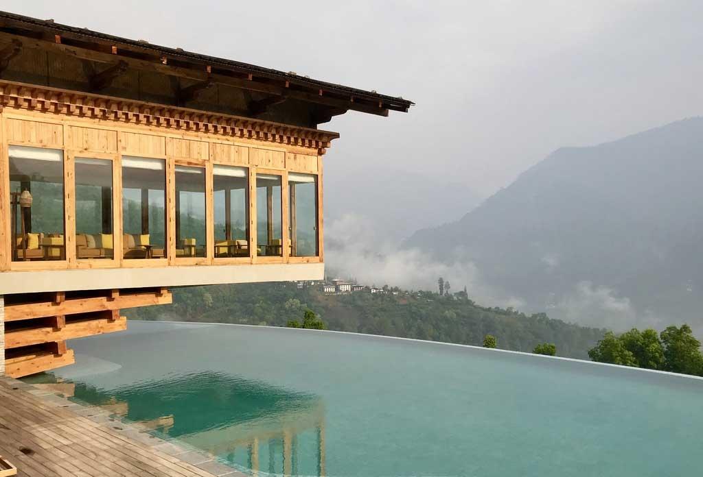 Infinitypool in der Six Senses Punakha Lodge, Bhutan - World of TUI Berlin Reisebericht