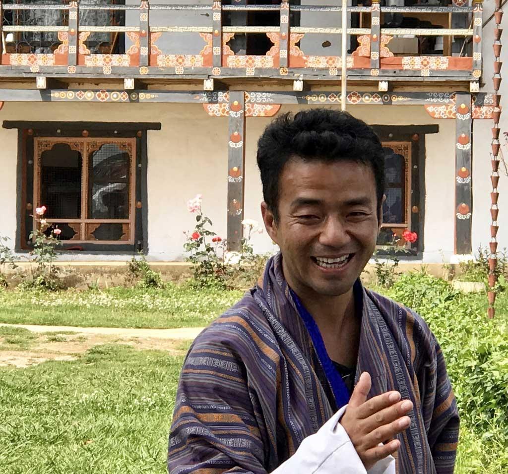 Mönchsschüler im Chorten Ningpo-Kloster, Bhutan - World of TUI Berlin Reisebericht