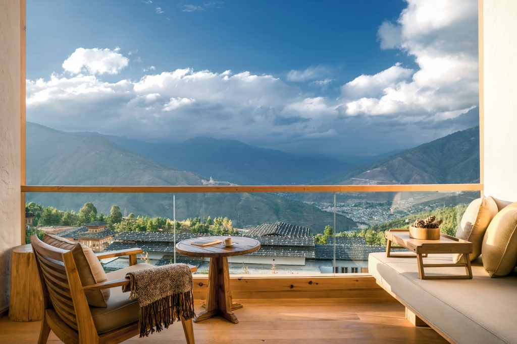 Suite in der Six Senses Thimphu Lodge, Bhutan  - World of TUI Berlin Reisebericht