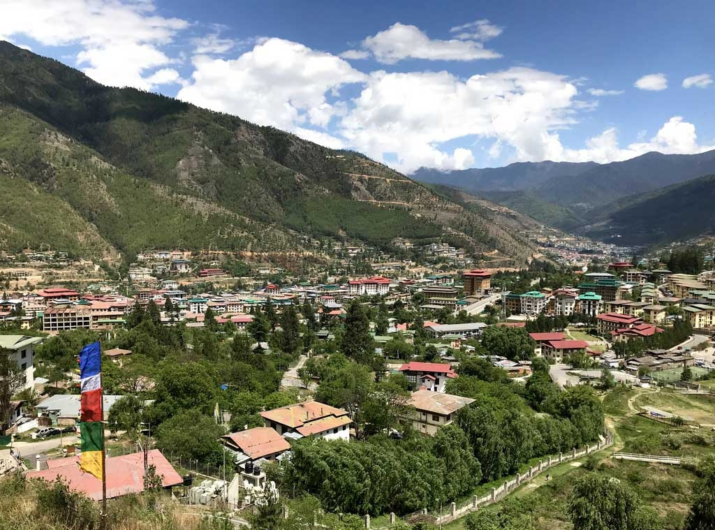Blick auf Thimphu, Bhutan - World of TUI Berlin Reisebericht