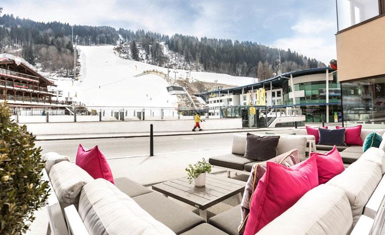 TUI, Reisebüro, World of TUI, Berlin, Winter, Wintersport, Österreich, Deutschland, Schweiz, Ski, Rodeln, Klettern, Snowtubing, Schnee,