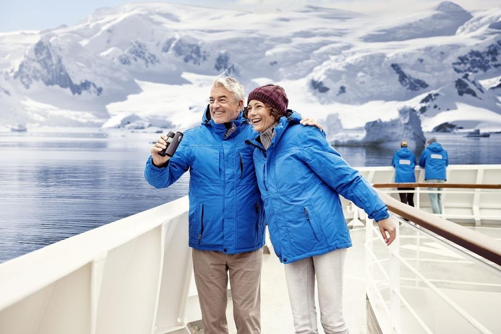 Hanseatic nature Gaeste Antarktis Hapag Lloyd Cruises