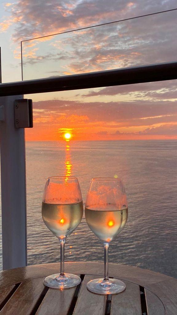 Sonnenuntergang auf der TUI Cruises Mein Schiff 2