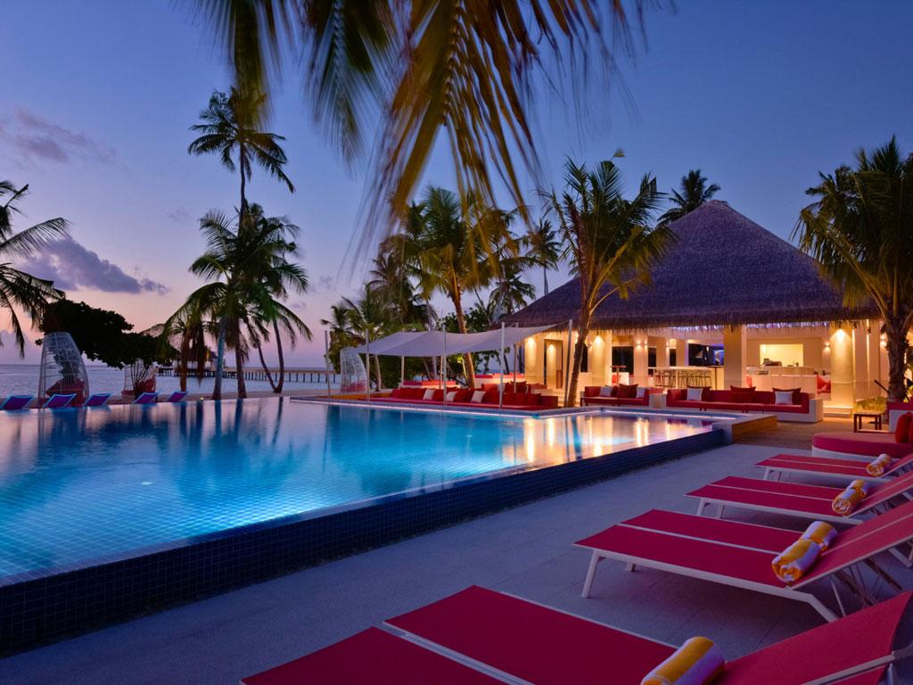 Kandima Maldives Poolbar