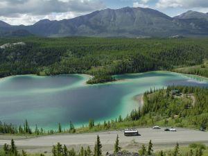 Der Emerald Lake in Yukon